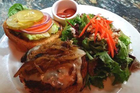 Enjoy great burgers in San Carlos